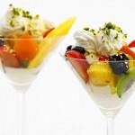 Blattgold für Eisbecher mit Früchte